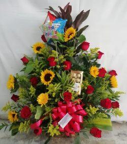 Arreglo de Rosas Girasoles & Gerberas
